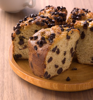 Reduced-Fat Banana Chocolate Chip Coffee Cake